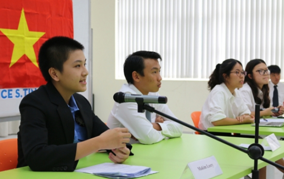 LSTS students transformed into lawyers and prosecutors in the simulation trial